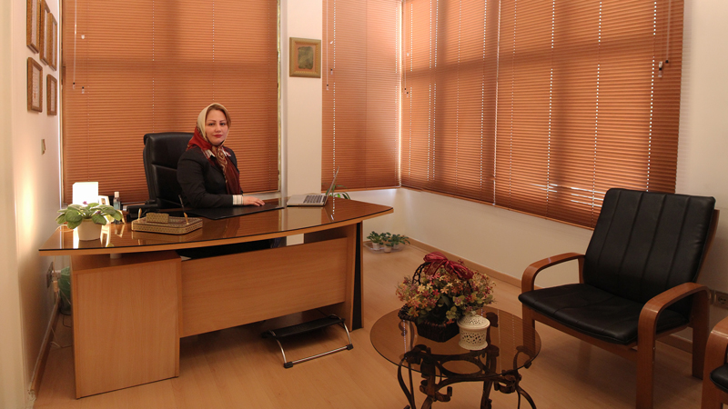 دکتر مهتاب مرجانی - متخصص زنان و زایمان