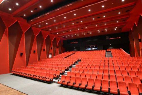 شرکت ثنکو | تولید کننده صندلی های آمفی تئاتر ، همایش ، سینمایی