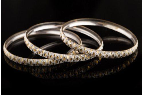 شرکت صنایع زرناز | تولید و پخش انواع النگوی لوکس ، طلا و جواهر