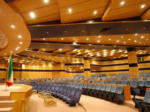 همایش گستر کیوار | تولید کننده صندلی آمفی تئاتر , صندلی سالن های کنفرانس ، صندلی همایش و  صندلی سینم
