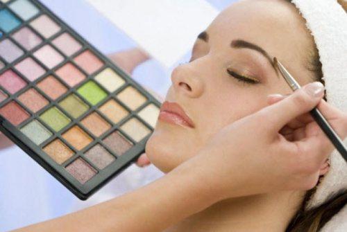 خانه عروس آی سیما | ارائه دهنده کلیه خدمات آرایشی و زیبایی به صورت کاملا حرفه ای
