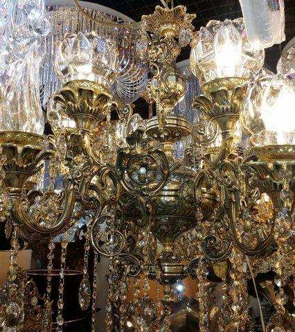 فروشگاه شهر برنز | تولید و پخش انواع لوستر ، آینه شمعدان، بوفه، ساعت، مجسمه