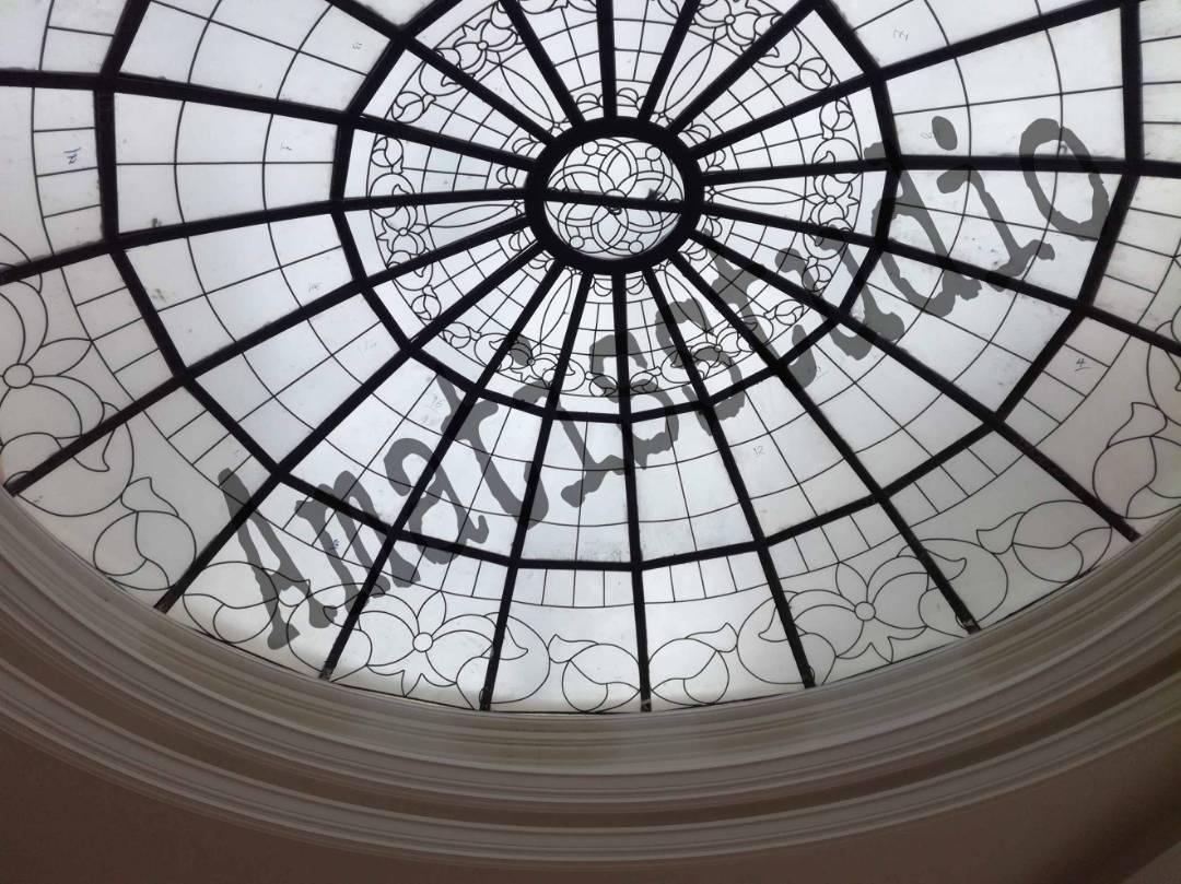 آماتیس | ساخت شیشه های تزیینی - تزئینات لوکس ، ساخت استیند گلس