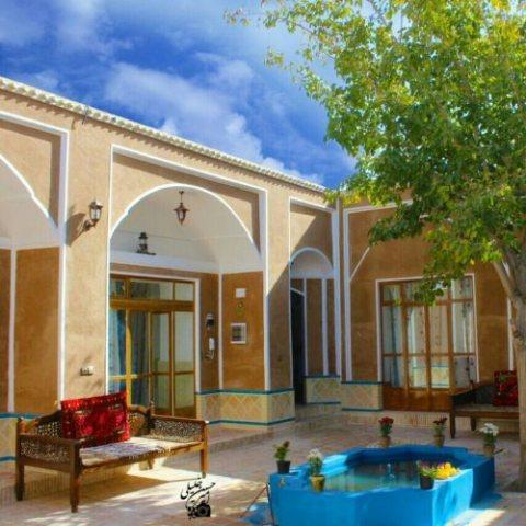 اقامتگاه سنتی حافظ ورزنه
