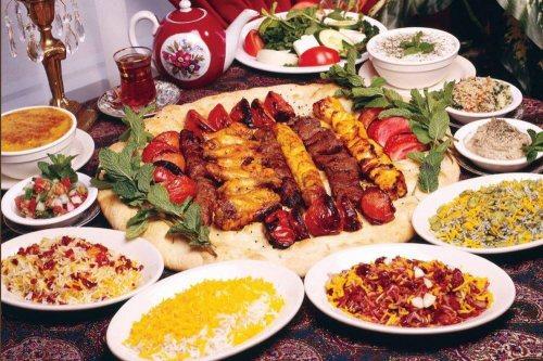 تهیه غذا گلدیس | رستوران و تهیه غذا