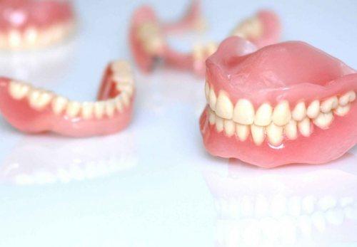 لابراتوار ایمانی | ساخت دندان مصنوعی ، بلیچینگ ، لمینت